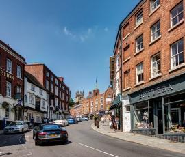 Wyle Cop, Shrewsbury. Shopping, architecture, things to do. Healthy high street