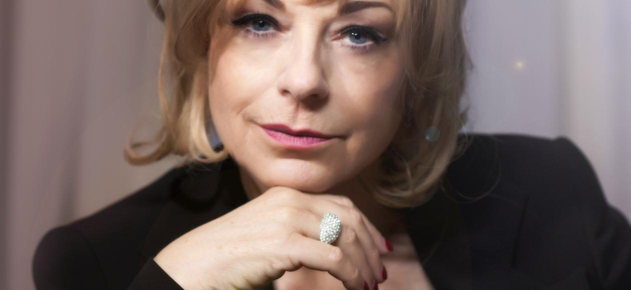 Mari Wilson at Henry Tudor House Shrewsbury