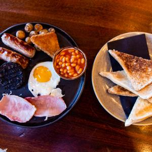 Traditional Independent Breakfasts